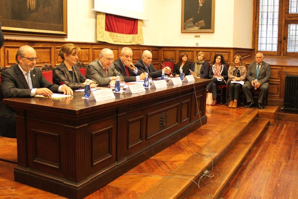 Acto de la firma del Memorándum, con los representantes de las entidades firmantes